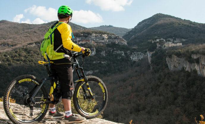 Vélo électrique @ Dangeroux Momo Design